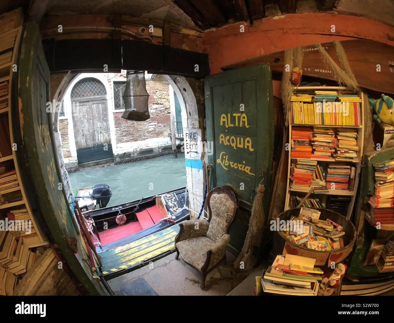Alta Aqua bookshop, Venezia. Foto Stock