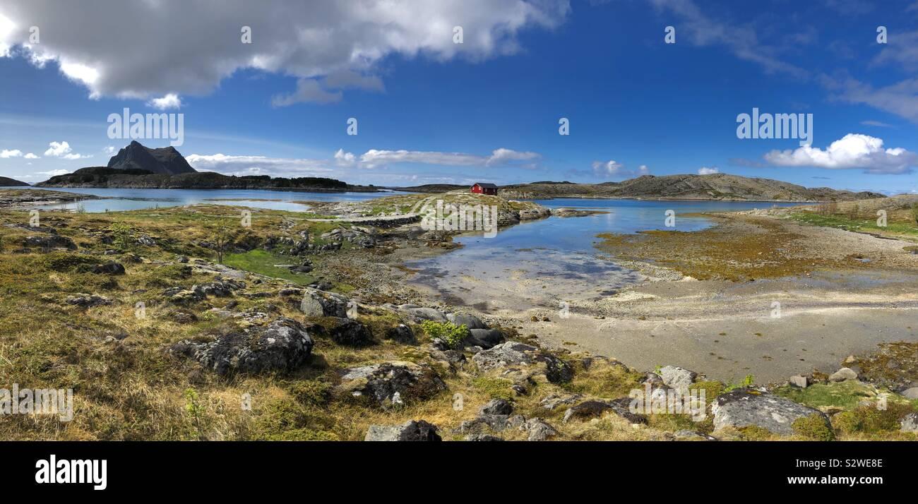 Il paesaggio di Vega Isola con sola isola in background Foto Stock