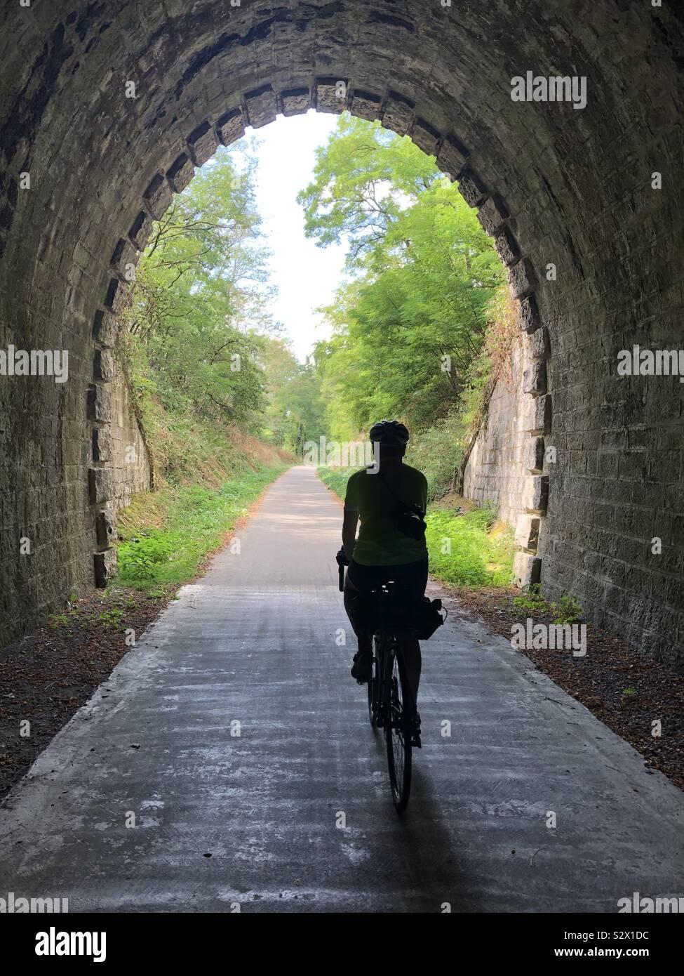 La luce alla fine del tunnel Foto Stock