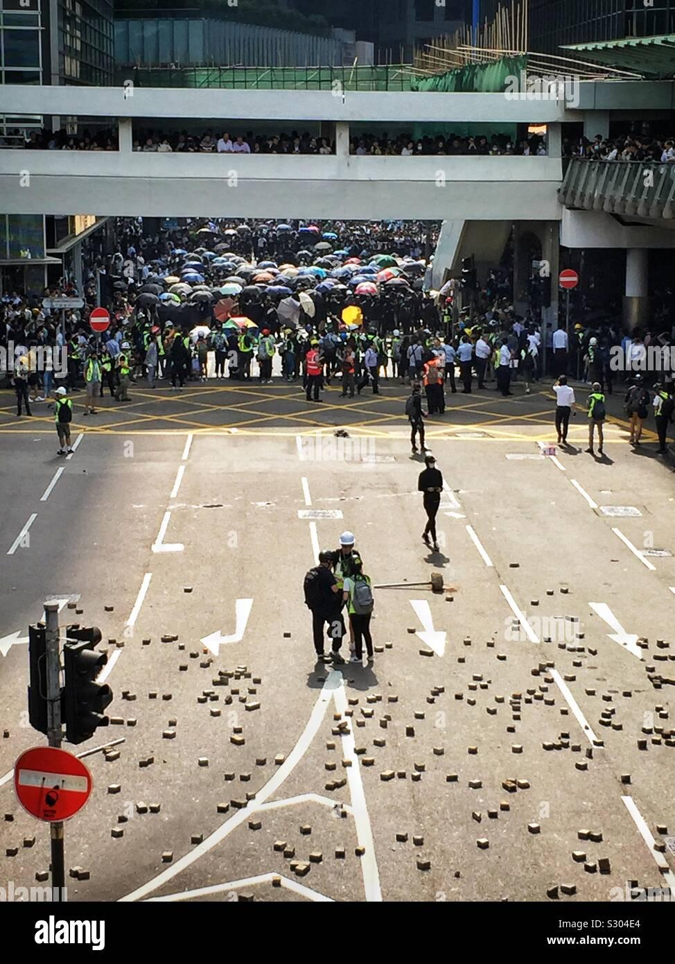 Gli impiegati di Hong Kong CBD di protesta durante la pausa pranzo, Novembre 2019 Foto Stock