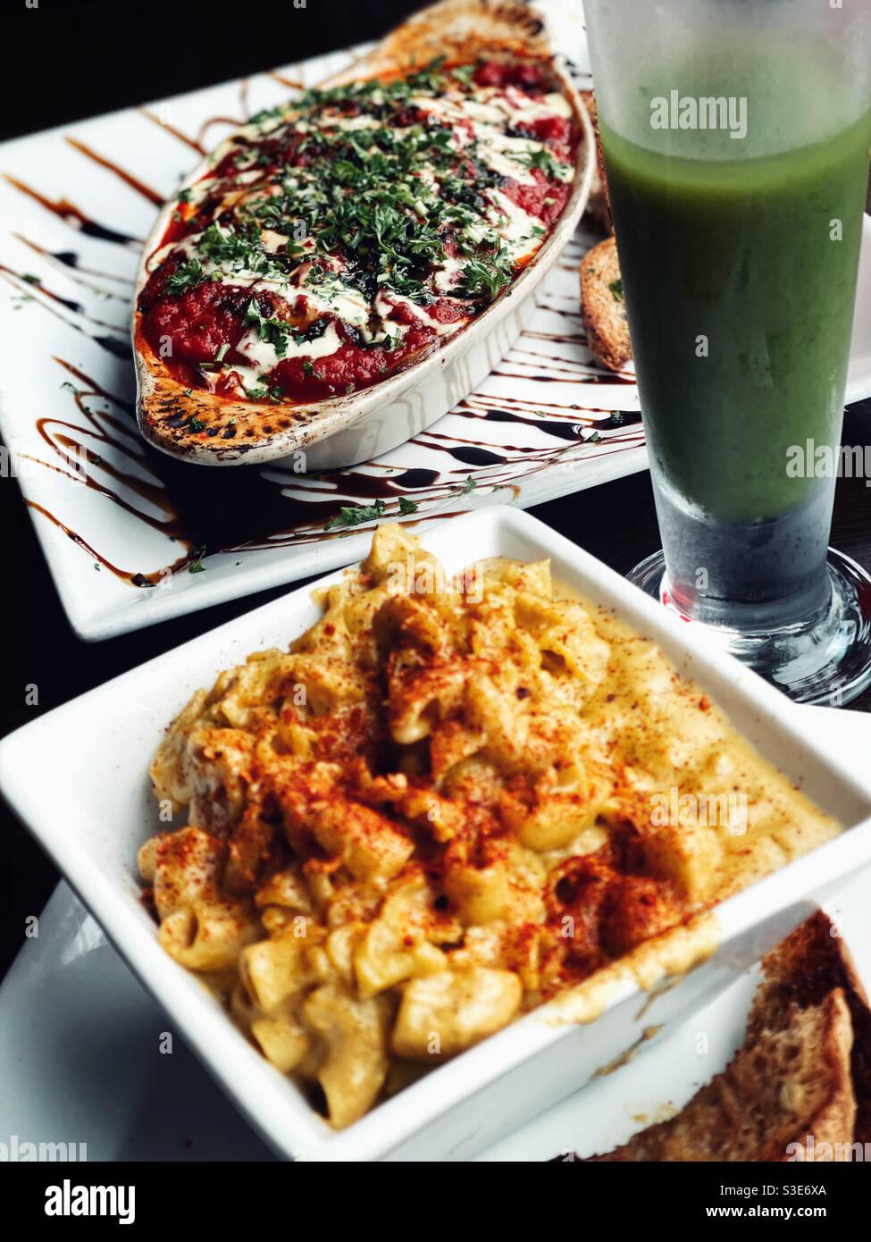 Cena vegana nel ristorante Foto Stock