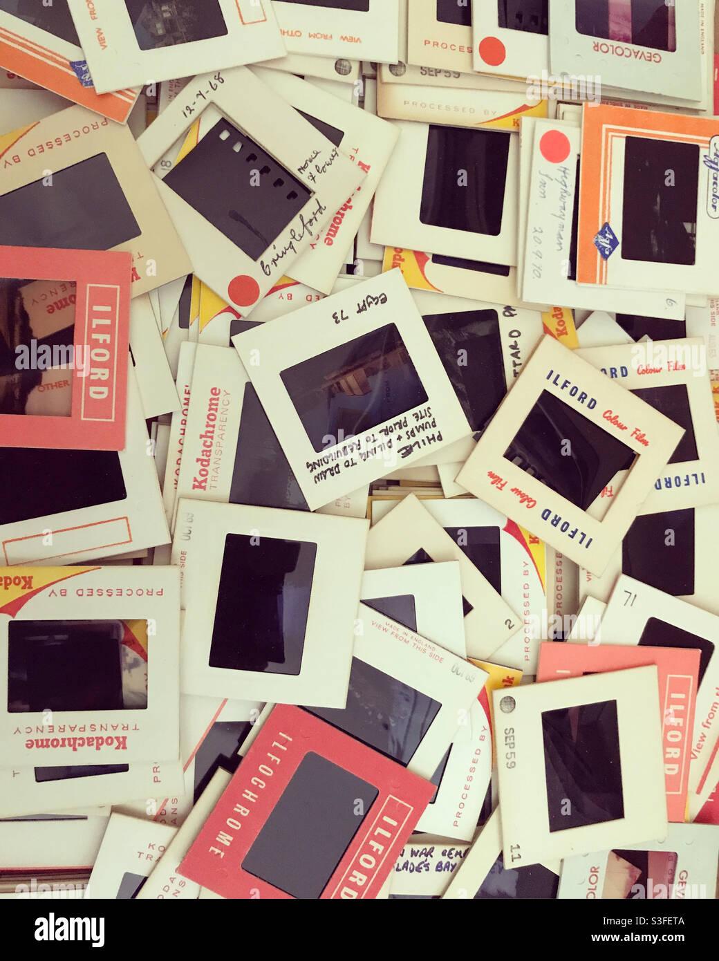 Un salto di vecchie diapositive fotografiche. Foto Stock