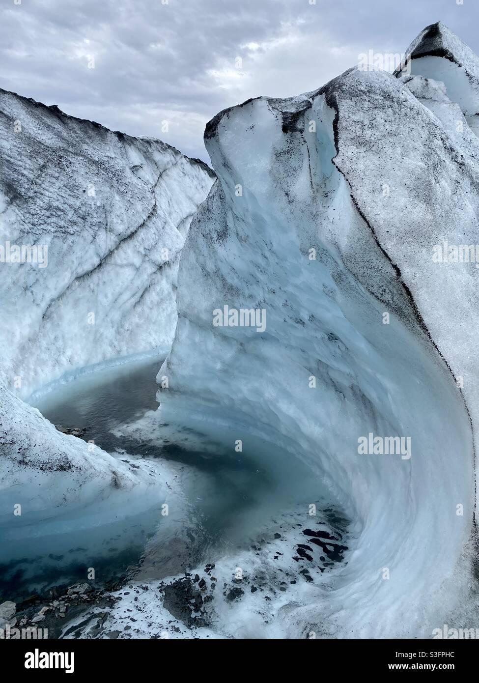 Formazione di ghiaccio sul ghiacciaio Matanuska a Sutton, Alaska. Foto Stock