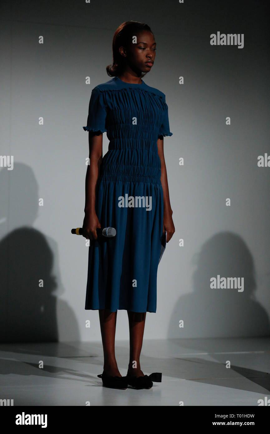 innovative design 19031 37308 Presentazione di moda presso la London Fashion Week Autunno ...