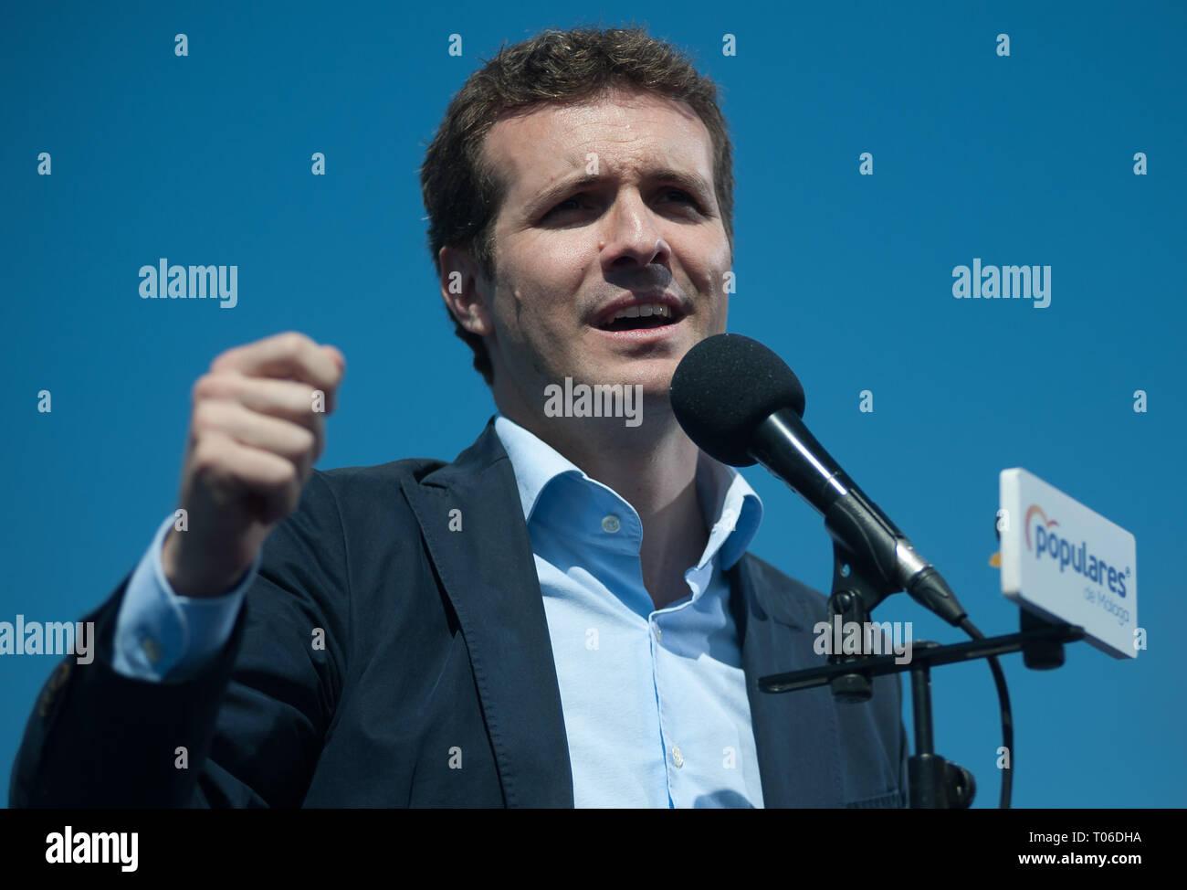 Pablo Casado è visto dando il suo discorso durante una riunione del Partito popolare a Los Baños del Carmen. Immagini Stock