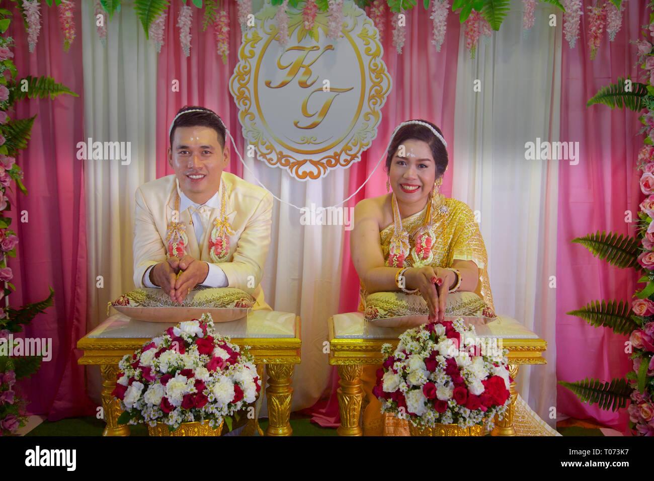 Matrimonio Simbolico In Thailandia : A thai bride immagini & a thai bride fotos stock alamy