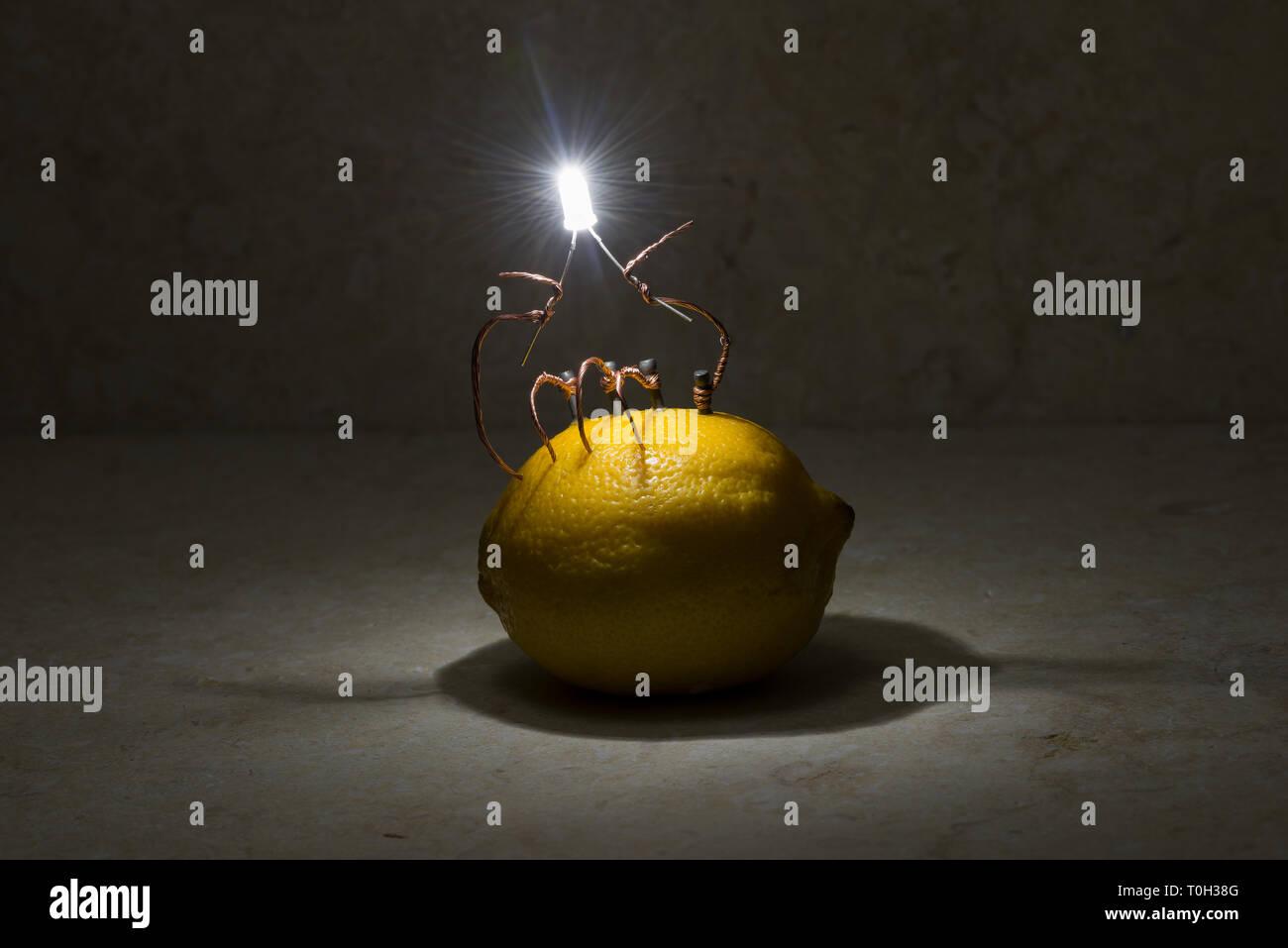 Agrumi limone calce batteria dimostrando un alternativa di