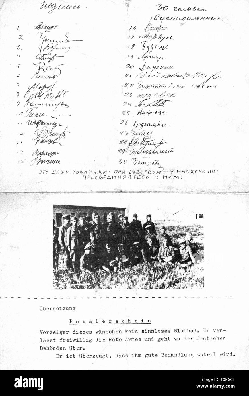 Eventi, Seconda Guerra Mondiale / La seconda guerra mondiale la propaganda, tedesco pieghevole con il pass per i soldati sovietici, 1941, Additional-Rights-Clearance-Info-Not-Available Immagini Stock