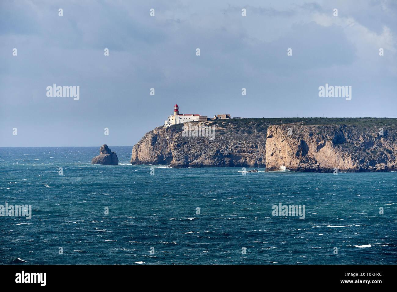 Faro di Cabo de Sao Vicente vicino Sarges, Algarve, Faro, Portogallo Foto Stock