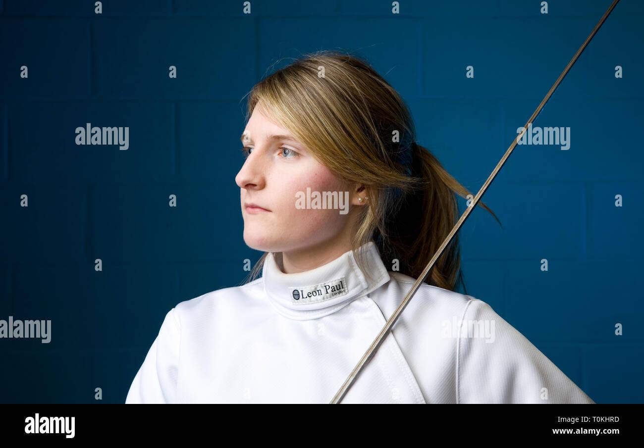 size 40 c05f4 c3478 Modello Phoebe Barrett è uno studente universitario che gode ...
