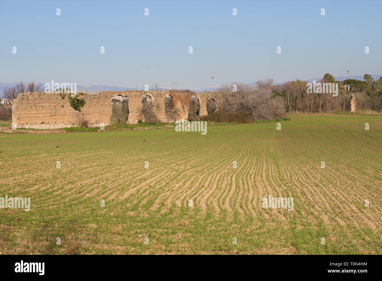 Un ramo secondario dell acquedotto di Claudio costruito per portare acqua alla villa suburbana Sette Bassi (1° C. AC) - Parco degli Acquedotti - Roma Immagini Stock