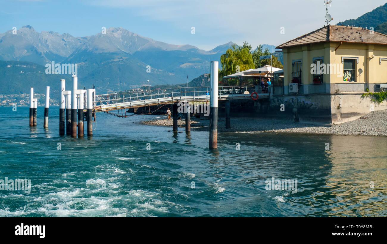 Anlegestelle für Schiffe und Boote, in Darvio, am Comer vedere Foto Stock