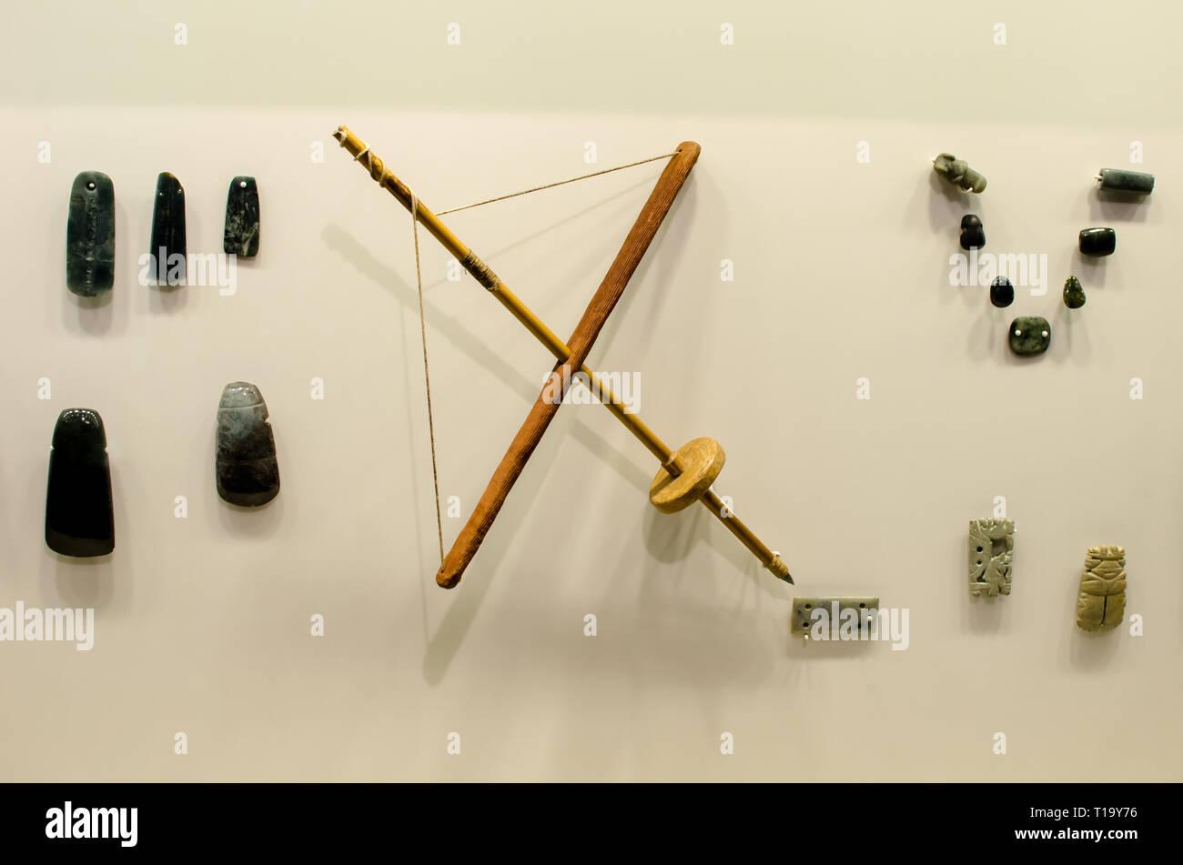Gli oggetti al Museo del Jade y la Cultura Precolombina in Costa Rica Immagini Stock