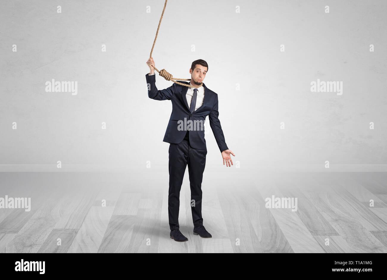 Giovani responsable uomo sull'orlo del suicidio Immagini Stock