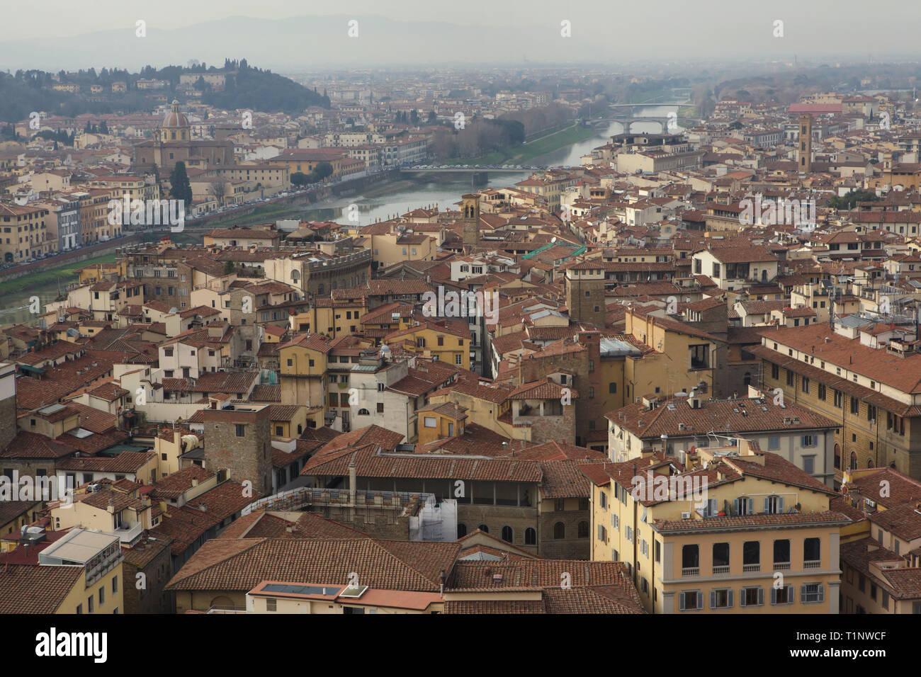 Firenze Centro E Il Fiume Arno Nella Foto Dalla Terrazza Sul