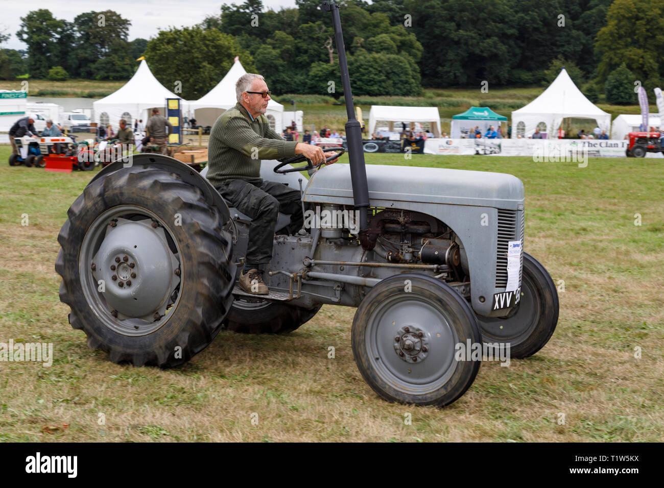 agricoltori che risalgono al Regno Unito pubblicità e matchmaking FFX 2