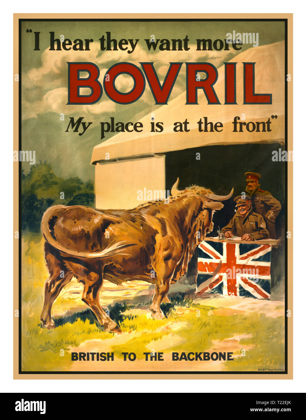 """WW1 British assunzione poster di propaganda 1915 """"Ho sentito che vogliono più Bovril. Il mio posto è sul lato anteriore """" Propaganda Vintage Poster raffigurante un toro che si avvicinano ad un stazione di reclutamento decorata con la bandiera britannica. Bovril è un marchio di estratto di carne bovina. Immagini Stock"""