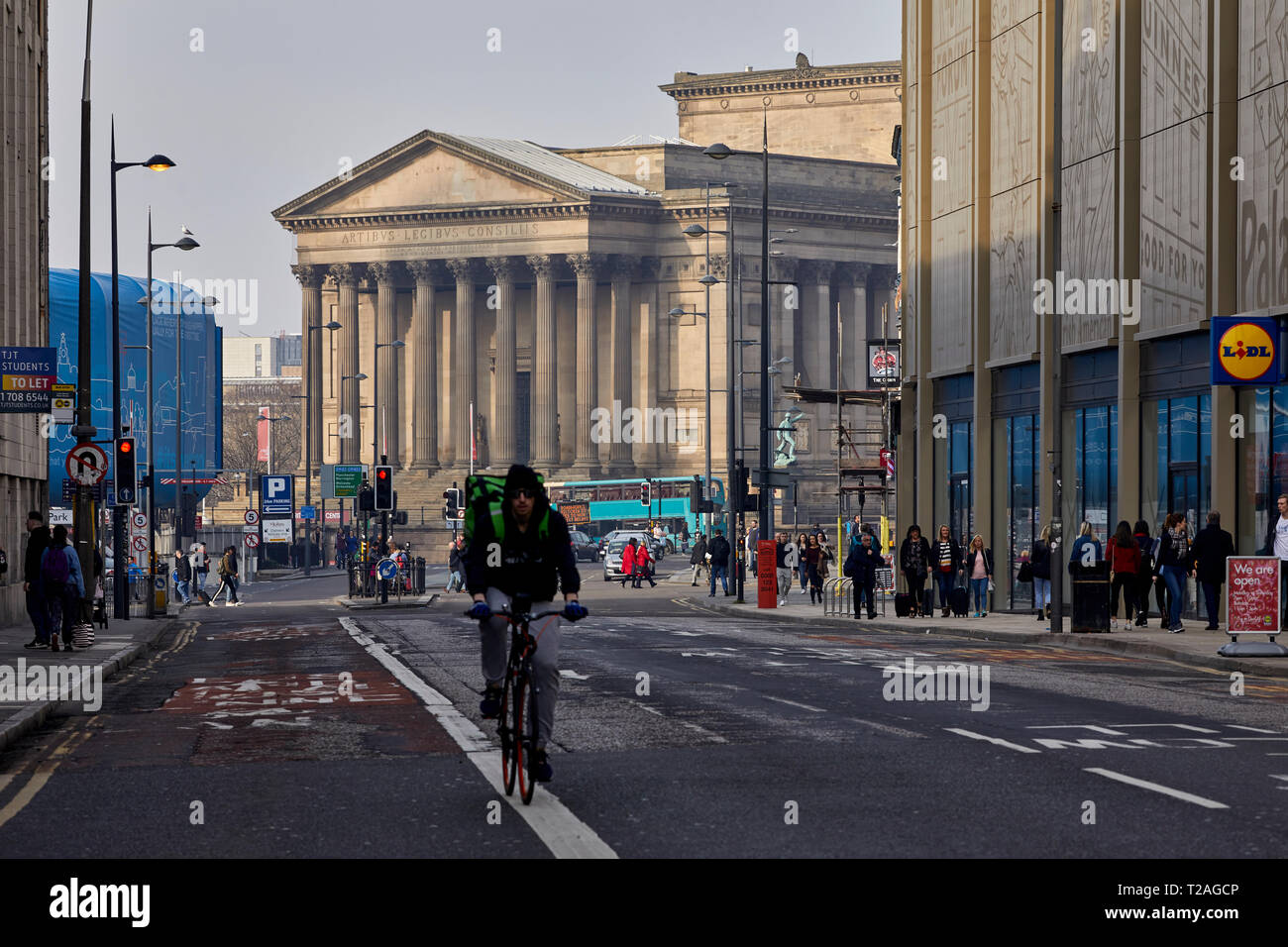 St George's Hall lungo di Liverpool Lime Street, Liverpool City Centre Immagini Stock