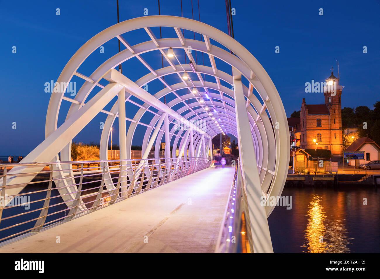 Ponte pedonale a Ustka, Polonia Foto Stock