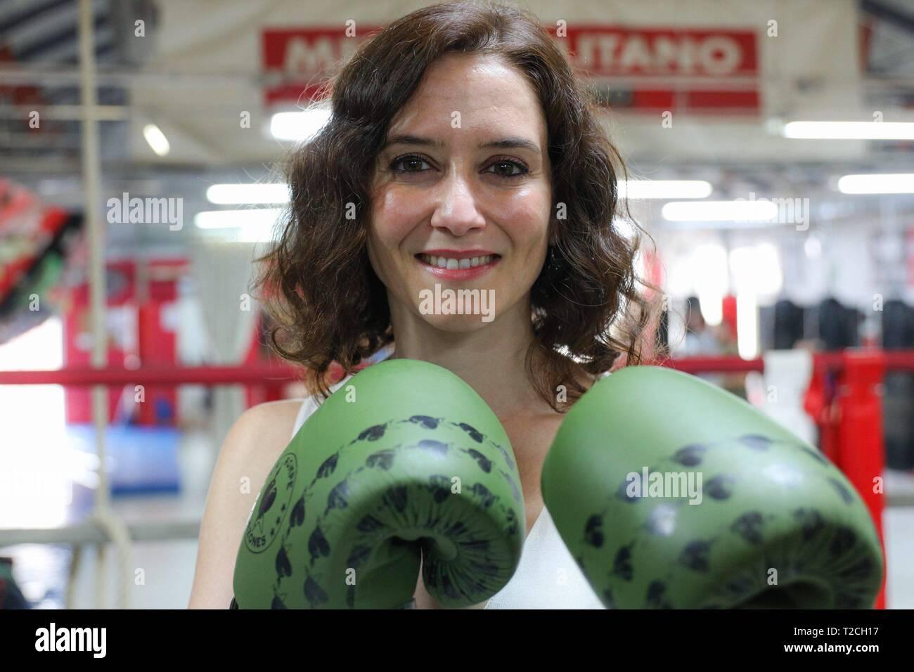 Il Partito Popolare (PP) candidato per la Presidenza della Comunità di Madrid, Isabel Diaz-Ayuso, visto durante le visite. Cordon premere Immagini Stock