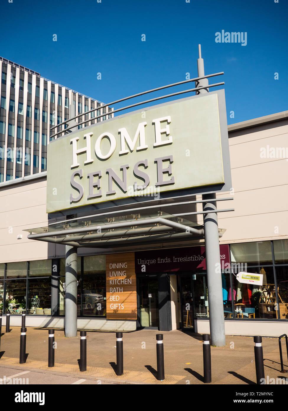 Home senso Store, Forbury Retail Park, Reading, Berkshire, Inghilterra, Regno Unito, GB. Immagini Stock
