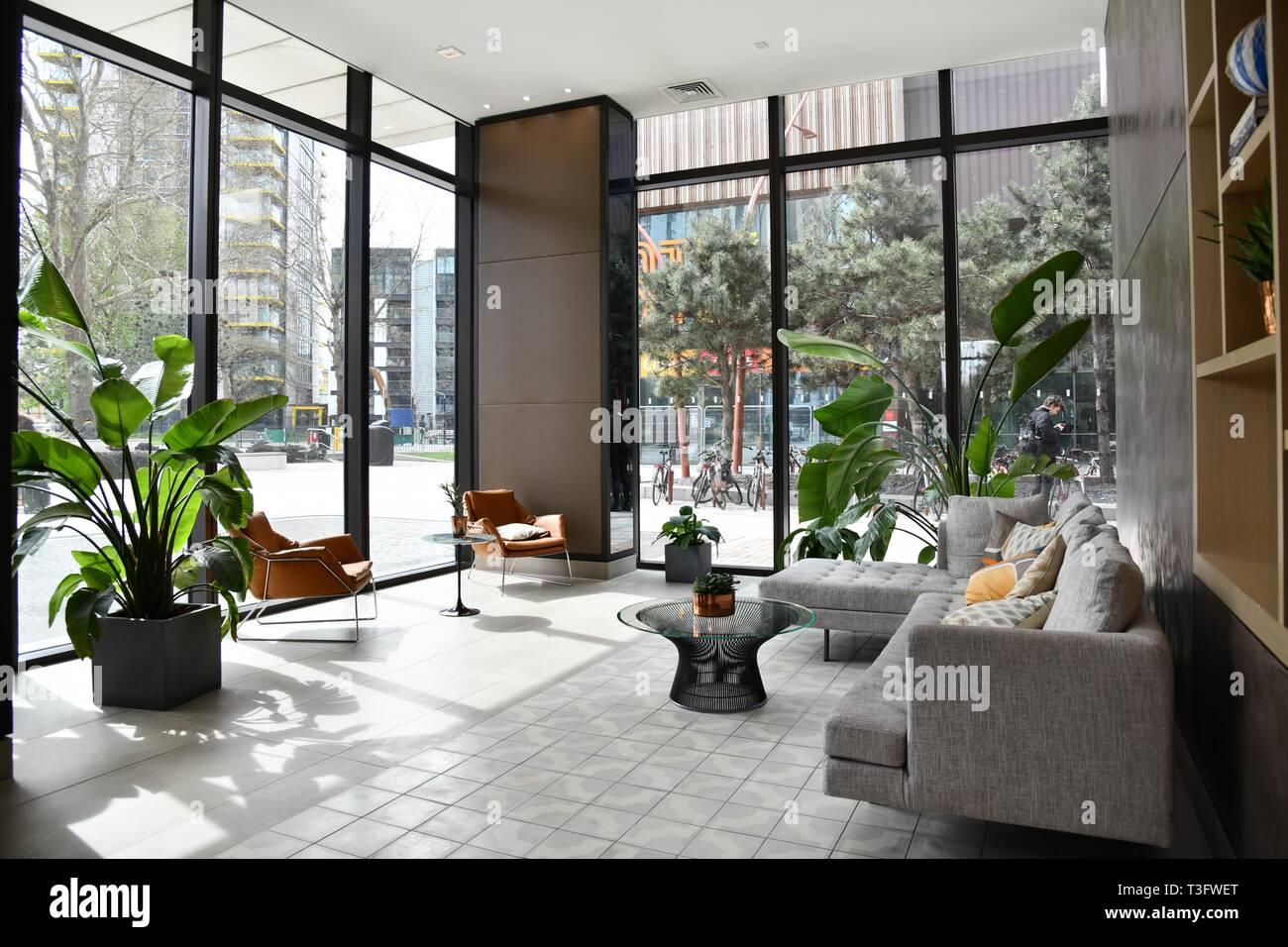 Gli interni moderni del blocco di appartamenti a londra di for Appartamenti interni