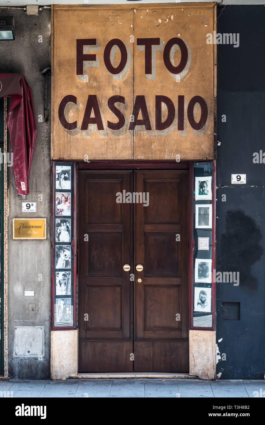 Foto Casadio - Stile tradizionale fotografi Shop anteriore nella zona centrale di Bologna Italia Immagini Stock