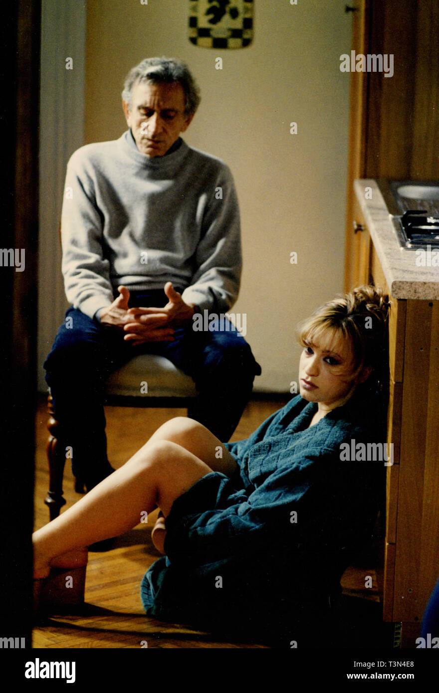 Attori Roberto Herliztka e Raffaella Ponzo nel film Il corpo dell'Anima, 1990s Immagini Stock
