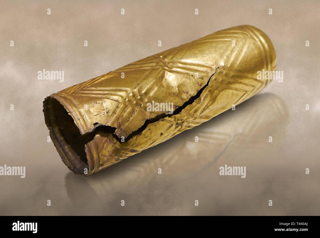 Età del Bronzo Hattian oro di copertura mobili da una possibile Età del Bronzo tomba reale (2500 BC 2250 BC) - Alacahoyuk - Museo del anatolica Civilisatio Immagini Stock