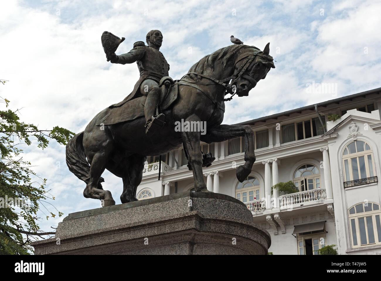 Statua del generale Tomas Herrera sulla piazza dallo stesso nome nel casco viejo Panama city Immagini Stock