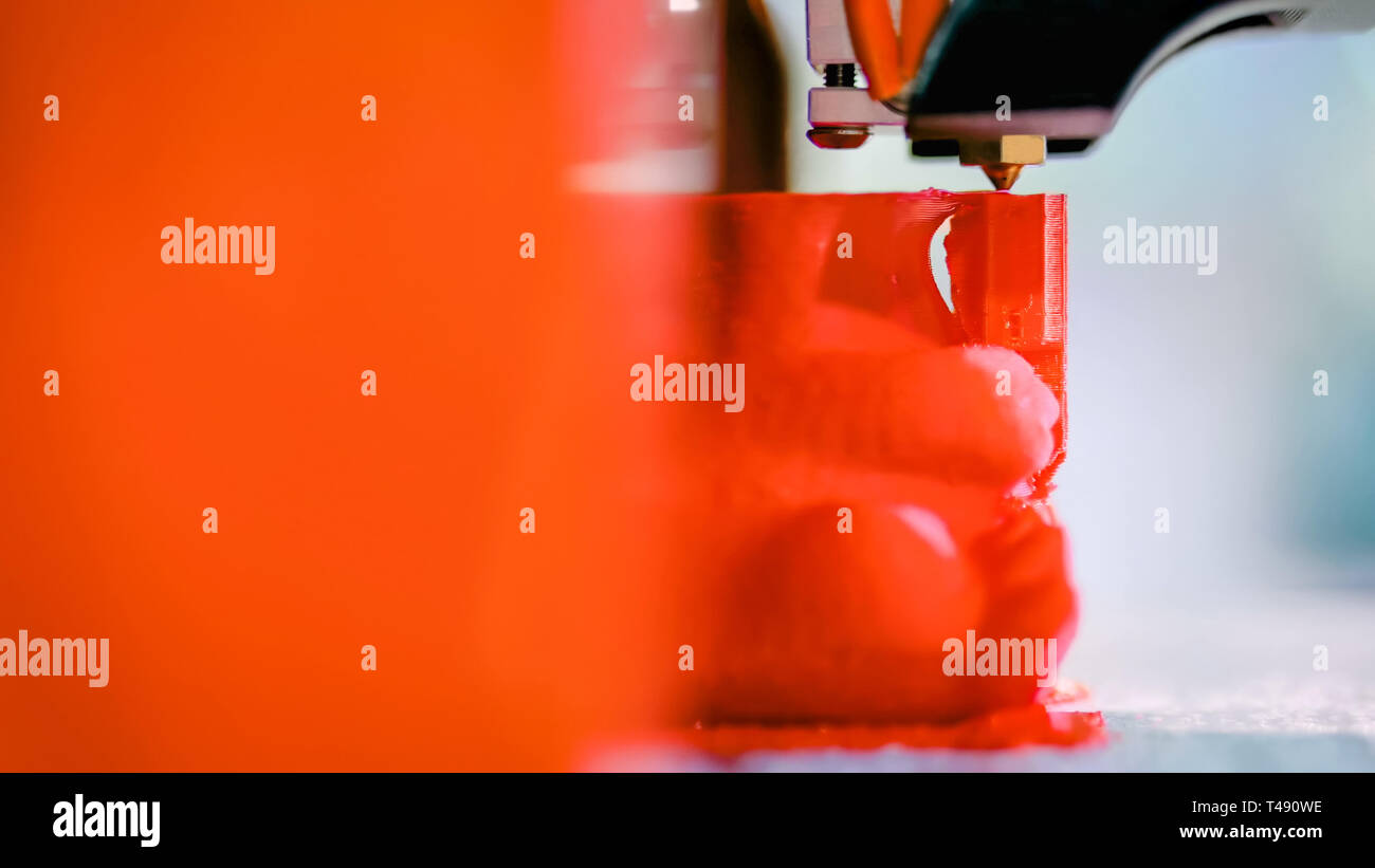 Automatic tridimensionali di stampante 3D la macchina stampa modello in plastica Foto Stock