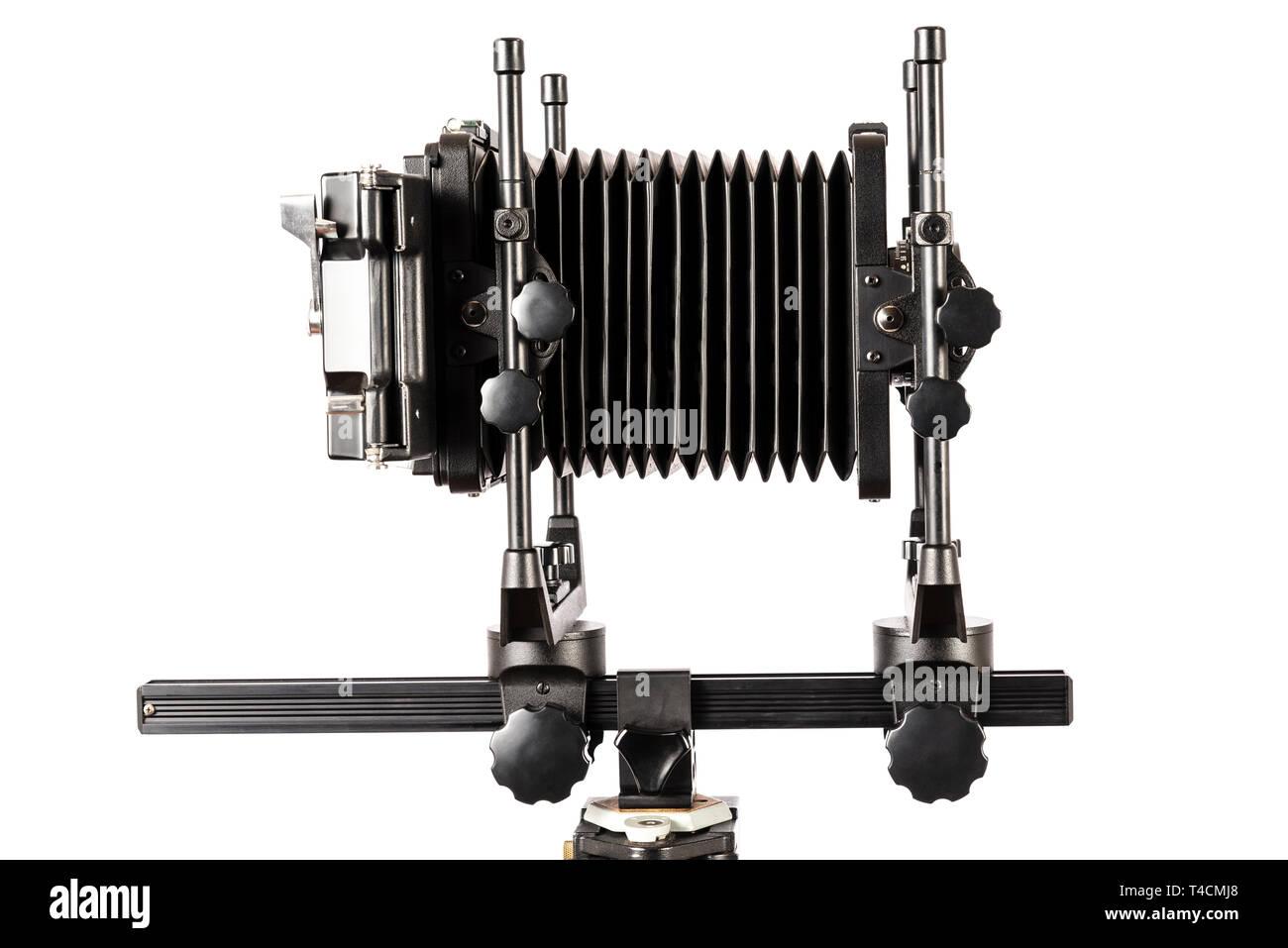 Inquadratura orizzontale di una visualizzazione telecamera con soffietto esteso isolato su bianco con copia spazio. Immagini Stock
