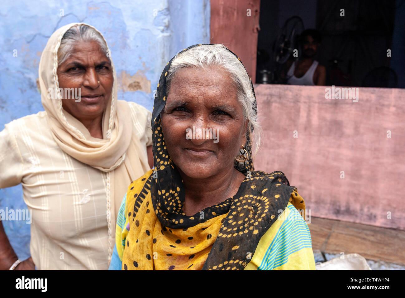 Ritratto di due donne di Rajasthani in Bundi, stato del Rajasthan, India. Immagini Stock