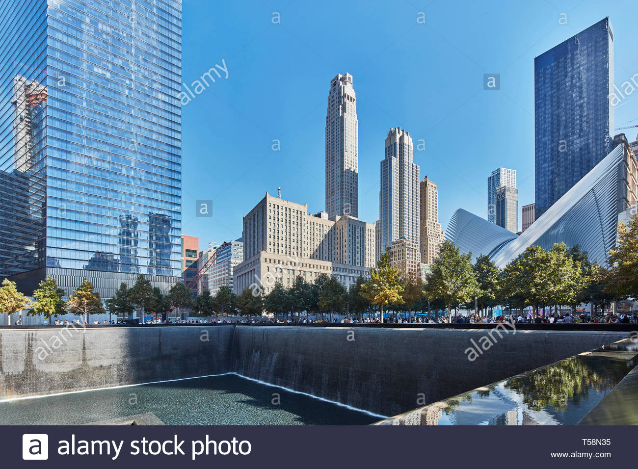 Ground Zero Memorial e occhio. L'occhio, World Trade Center Hub di trasporto, la città di New York, Stati Uniti. L'Architetto Santiago Calatrava, 2016. Foto Stock