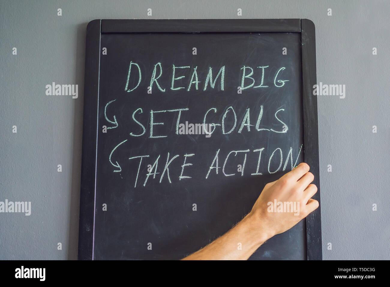 Grande Sogno - Obiettivo - Agire sulla scrittura a mano su una scheda di Chalk Immagini Stock