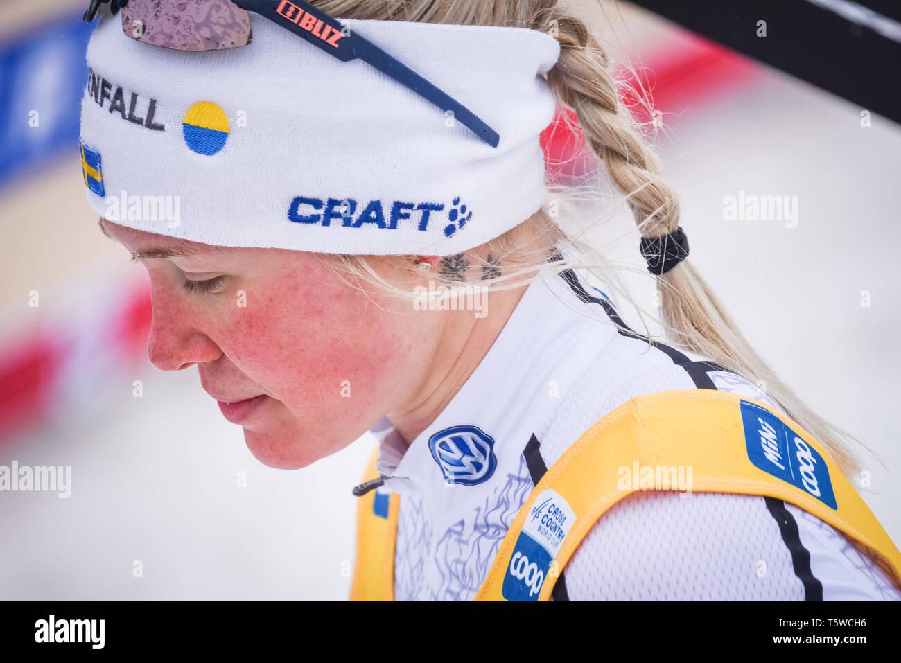 In Svezia il Jonna Sundling dopo la concorrenza in campo femminile 1,2-K sprint FIS World Cup gara di sci di fondo, Québec, Canada, 2019. Immagini Stock