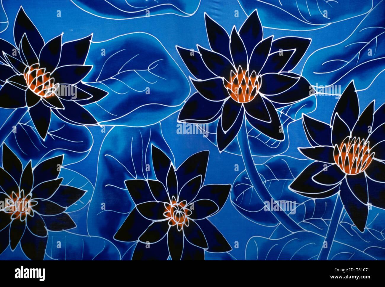 Polinesia francese. Isole della Società. Tahiti. Close up stampati floreali tessile abbigliamento. Immagini Stock