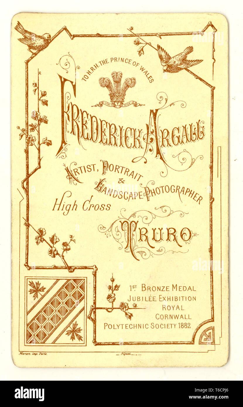 Inversione di una Carte de visite ( biglietto da visita ) materiale promozionale, da monolocali di Federico Argall, Truro, Cornwall, Regno Unito circa 1890 Immagini Stock