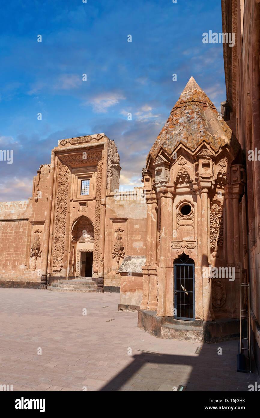Cortile e ingresso al Mausoleo del xviii secolo architettura ottomana del Ishak Pasha Palace Turchia Immagini Stock