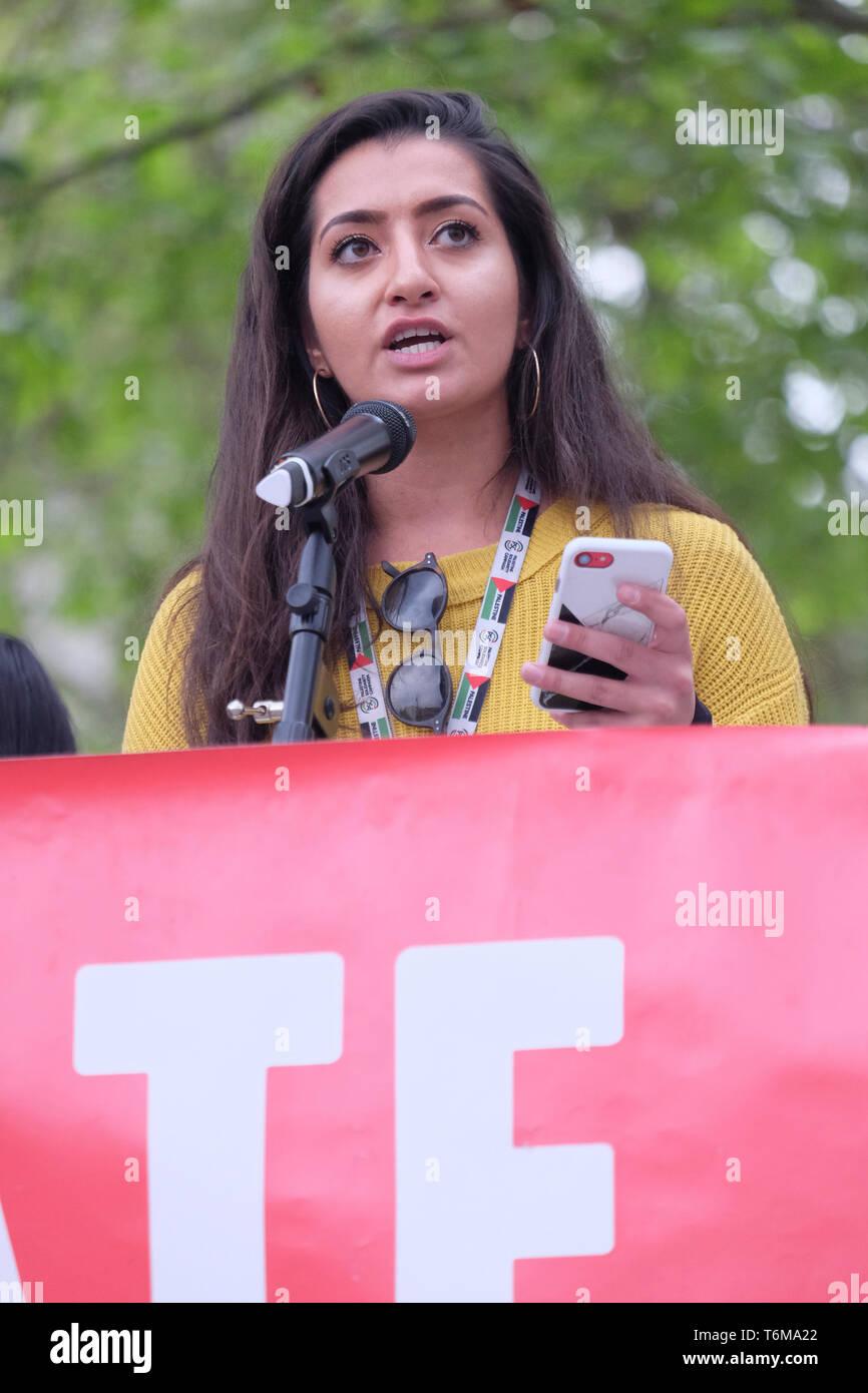 Aliya Yule di manodopera per un New Deal Verde affronta il cambiamento climatico rally come MPs avallare il moto a dichiarare formalmente una clima e ambiente emergenza. Immagini Stock