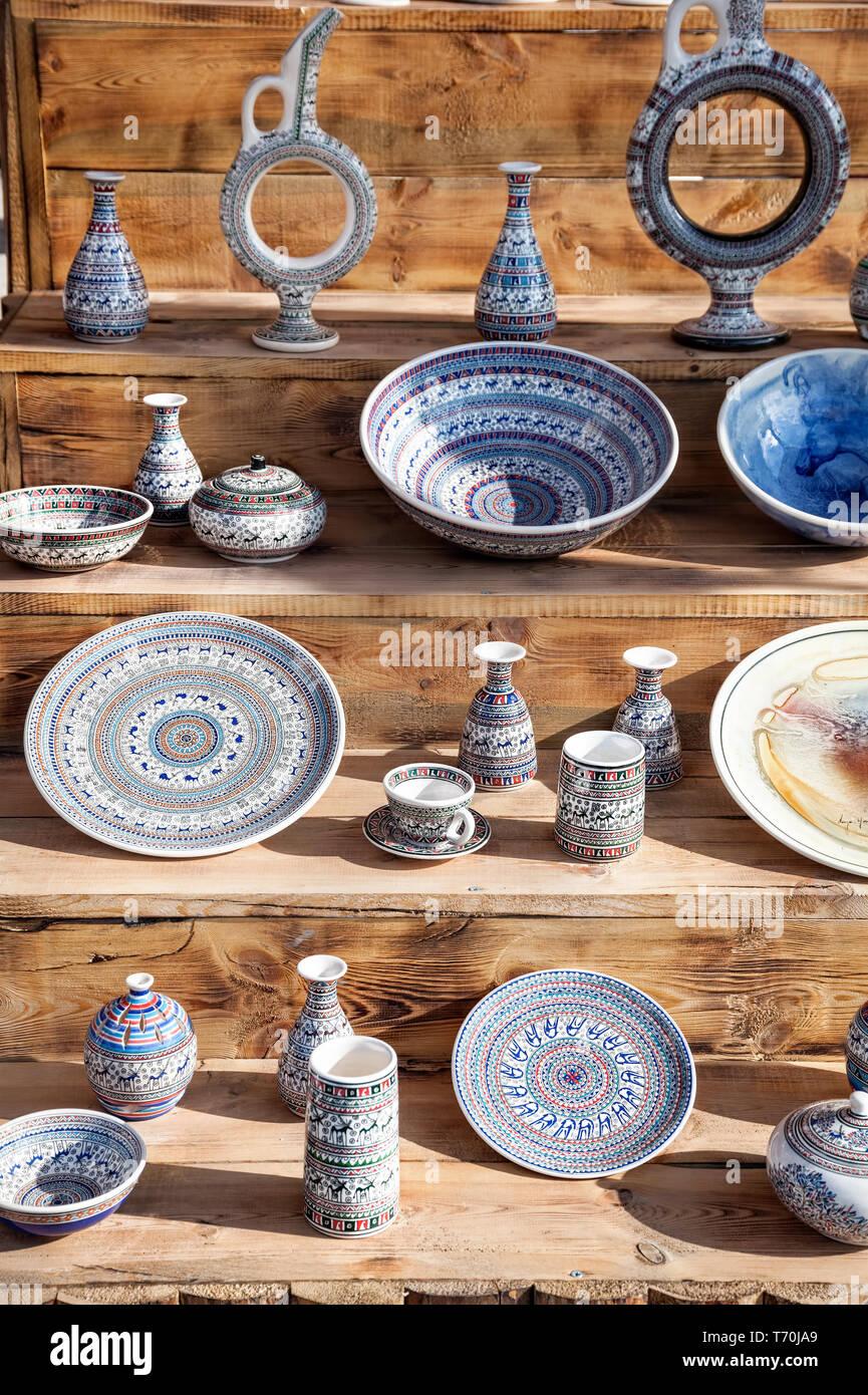 Ceramica pentola Turco, piastre e cup al mercato di Goreme in Cappadocia, Turchia Immagini Stock