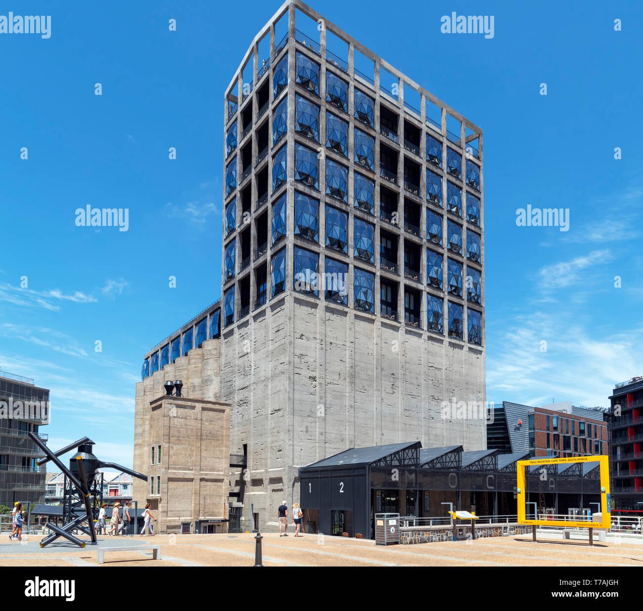 Zeitz Museo di Arte Contemporanea Africa (Zeitz MOCAA), V&A Waterfront, Città del Capo, Western Cape, Sud Africa Immagini Stock