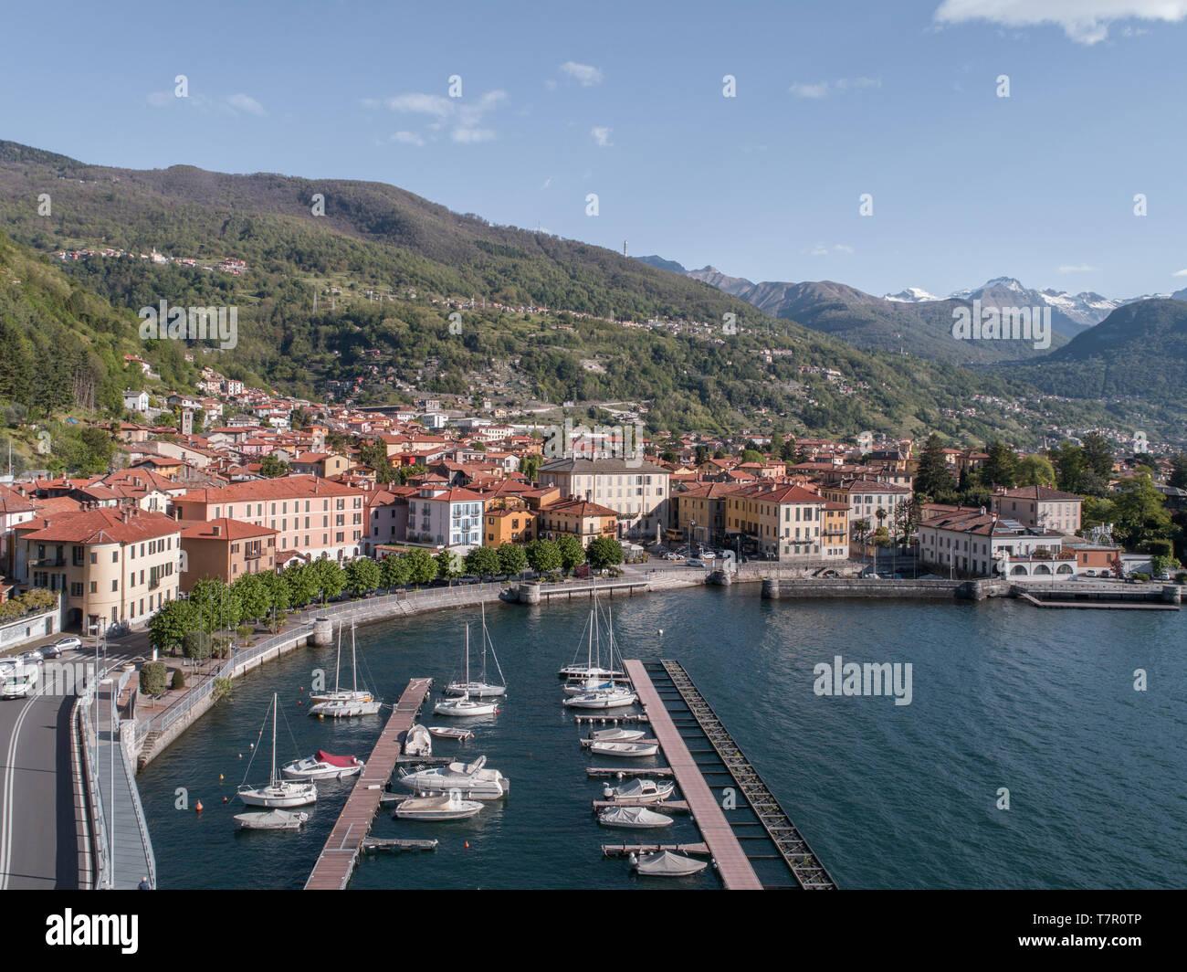 Il lago di Como, nel villaggio di Dongo Foto Stock