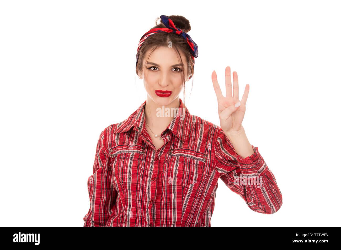 92322fda3b3bad Ragazza giovane conta quattro isolato puro su sfondo bianco. Ritaglio  Closeup ritratto di una donna