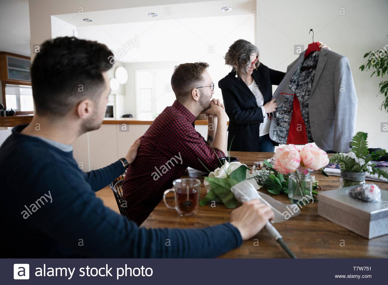 incontri gay nel tuo 30scarino incontri immagina