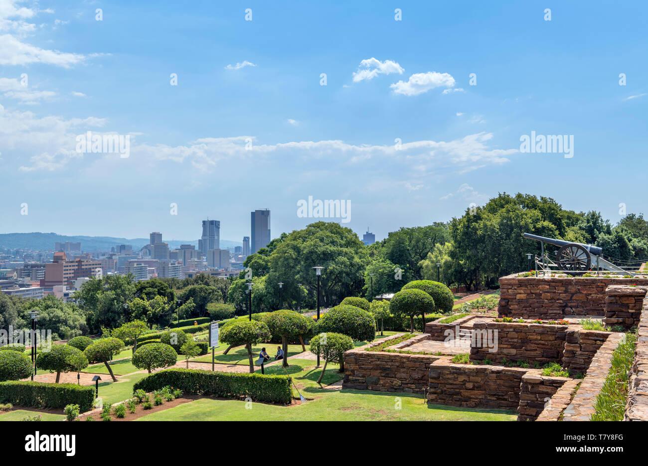 Vista dall'Unione costruzioni oltre il centro di Pretoria, Sud Africa Immagini Stock