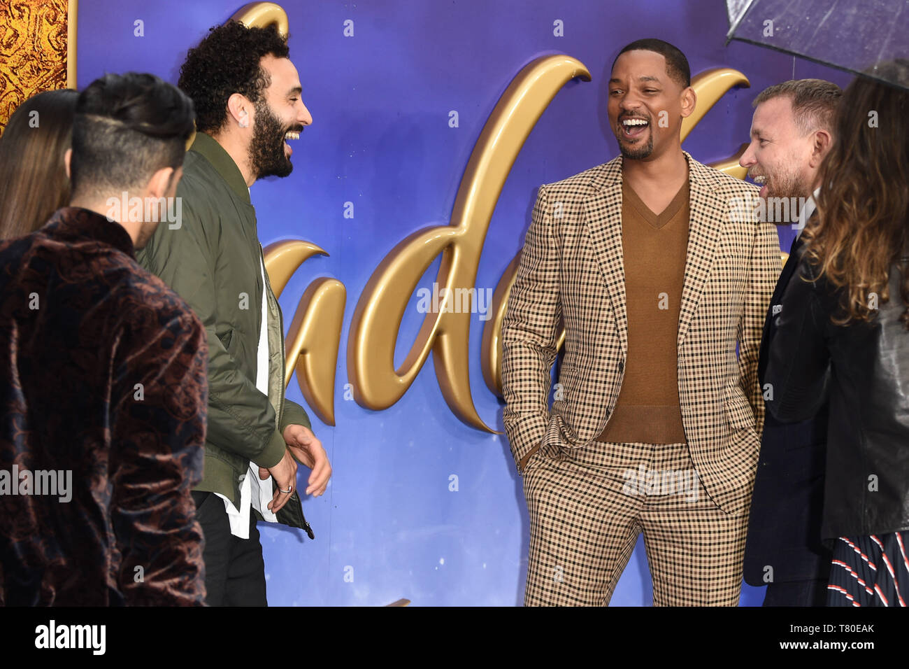 Londra, Regno Unito. 09 Maggio, 2019. Londra, Regno Unito. Maggio 09, 2019: Marwan Kenzari & Will Smith al 'Aladdin' premiere a l'Odeon Luxe, Leicester Square, Londra. Immagine: Steve Vas/Featureflash Credito: Paul Smith/Alamy Live News Foto Stock