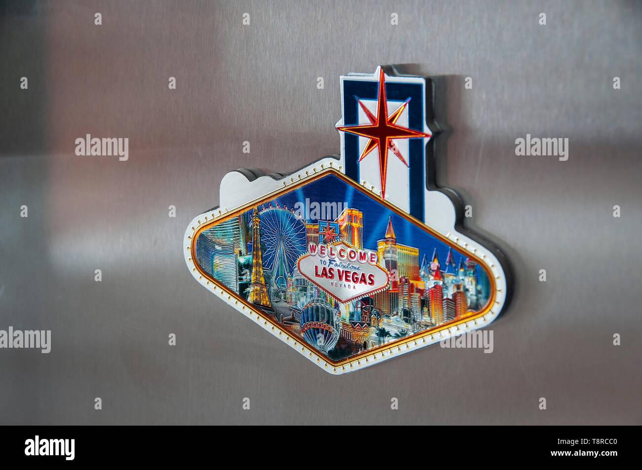 Las Vegas frigo magnete fissato ad un moderno in acciaio inox frigo Immagini Stock