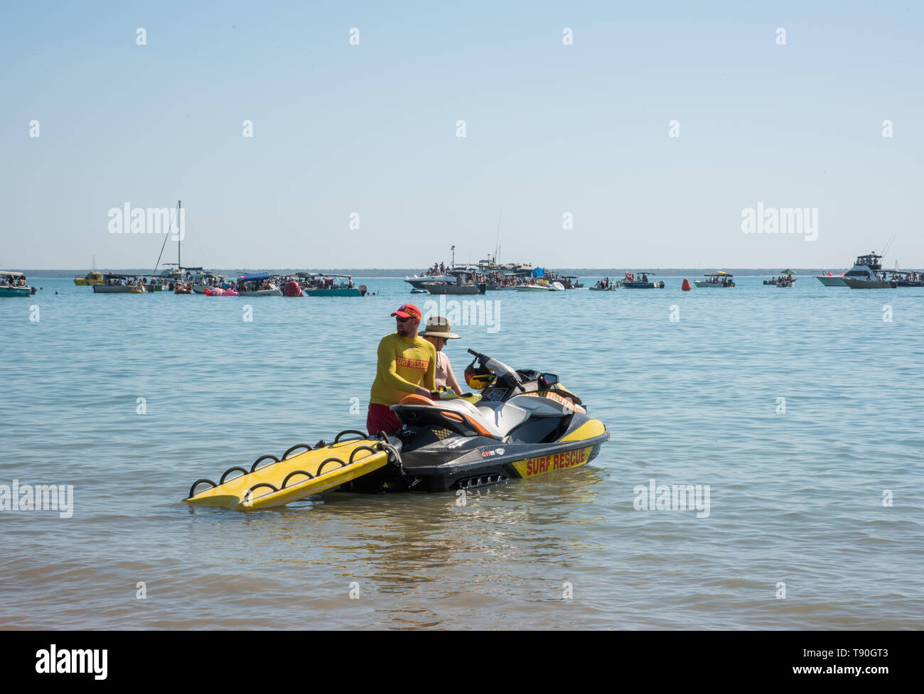 628215e6734c62 Darwin, Northern Territory, Australia-July 22,2018: Mindil Beach seascape  con
