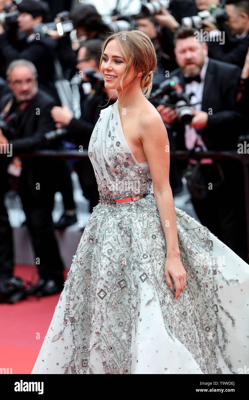 Cannes, Francia. Il 20 maggio 2019. Kimberley Garner arriva alla premiere di ' LA BELLE EPOQUE ' durante il 2019 Festival di pellicola di Cannes il 20 maggio 2019 presso il Palais des Festivals in Cannes, Francia. ( Credito: Lyvans Boolaky/spazio di immagine/Media Punch)/Alamy Live News Foto Stock